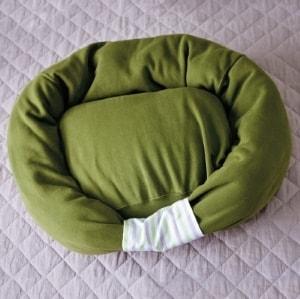 diy-sweatshirt-pet-bed